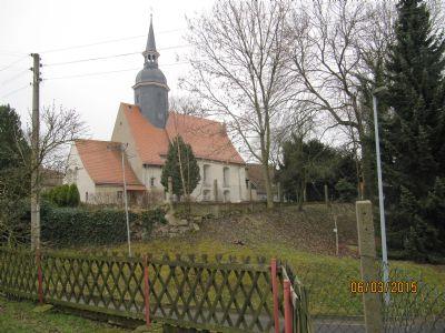 wunderschöne Kirche mit Pfarrhaus