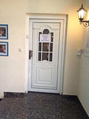 Eingang im 1.OG zur Werkstatt und Malschule
