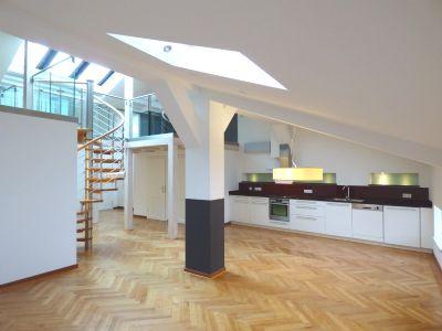 f r au ergew hnliche exklusive dachgeschosswohnung mit galerie zur miete wohnung salzburg. Black Bedroom Furniture Sets. Home Design Ideas