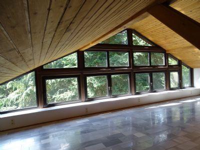 Galeriefenster vom zweiten großen Gewerbebereich