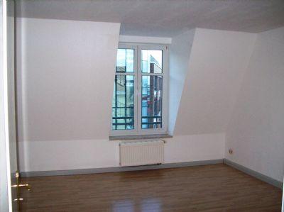 2 raum dachgescho wohnung in der n he uni wohnung magdeburg 2u4gu4d. Black Bedroom Furniture Sets. Home Design Ideas