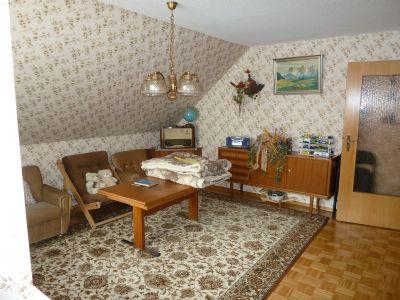 Wohnzimmer Dachgeschoss-Wohnung