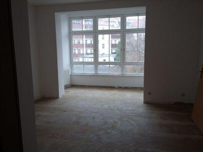 Schlafzimmer mit Wintergarten (unsaniert)