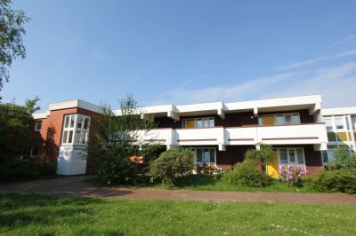 sch ne 2 zimmer seniorenwohnung mit balkon wohnung l neburg 2jnln4h. Black Bedroom Furniture Sets. Home Design Ideas