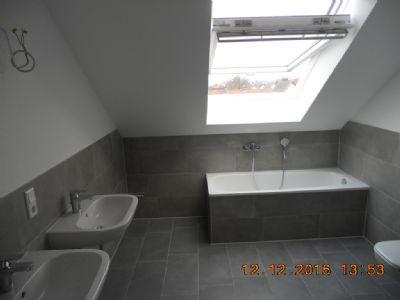 erstbezug helle 4 zimmer dachgescho wohnung mit loft charakter und eingebauter gro er zum. Black Bedroom Furniture Sets. Home Design Ideas