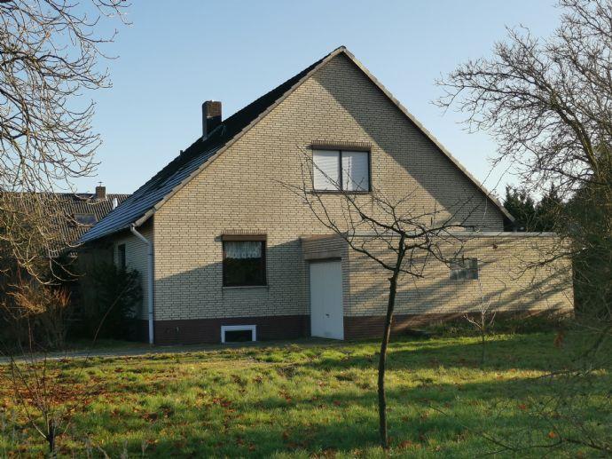 Großzügiges Einfamilienhaus auf 975m² Grundstück