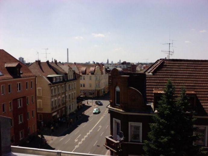 Neu! außergewöhnliches Dachappertement für Studenten mit Einbauküche und möbliert! zentral in Erlangen Uni/Siemens Nähe!