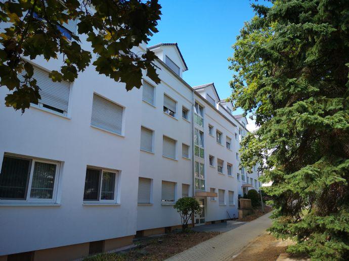 Erstbezug nach Sanierung mit Balkon: exklusive 2-Zimmer-DG-Wohnung in Hessen - Schwalbach a. Taunus