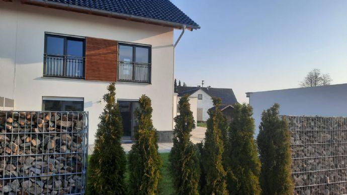 Schöne Doppelhaushälfte in Lengdorf