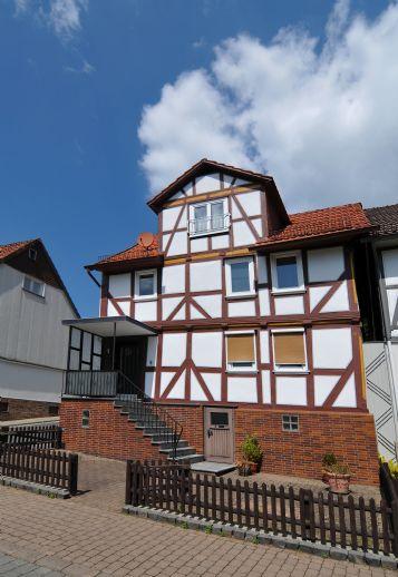 1-2 Familien-Fachwerkhaus im idyllischen Ortskern von Helsa