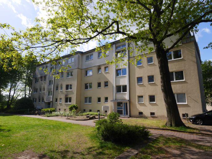 Renovierte 2,5 Zimmer-Wohnung mit Balkon