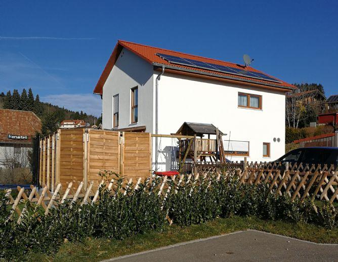 Erstbezug 2017! Modernes Effizienzhaus 40 plus, freistehend mit Garten und Doppelgarage in Rickenbach