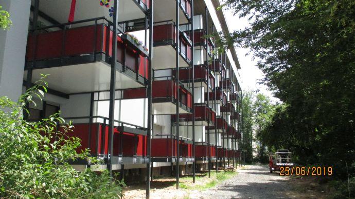 Penthouse Traum in zentraler Lage - Erstbezug mit Balkon!!! 3 Zimmer