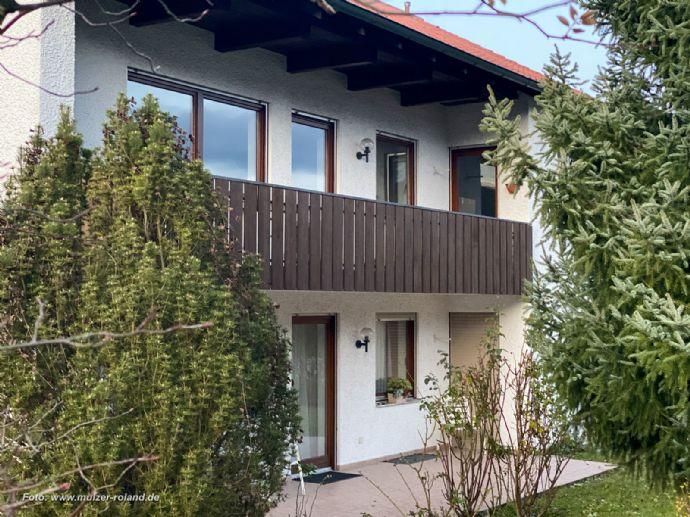 Landshut - Berg • große 4,5-Zi.-Whg. • 2-Familien-Haus • Obere Wohnung mit Balkon und großem Keller