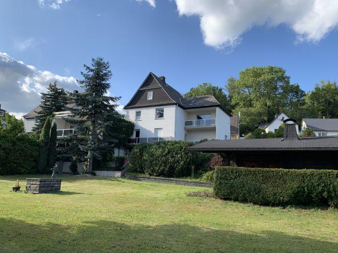 Komfortables Einfamilienhaus mit Einliegerwohnung und großem Grundstück in Bad Endbach-Hartenrod