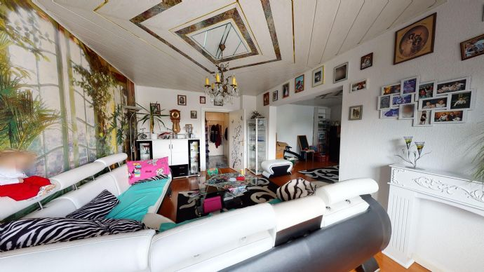 Einfamilienhaus mit Gästehaus und Pool in begehrter Lage von Kaulsdorf
