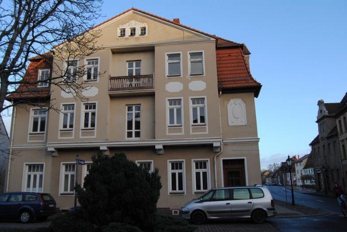 Sanierungsbedüftiges Mehrfamilienhaus mit Potential im Zentrum von Pegau