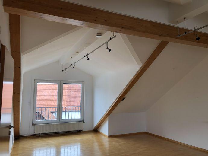 Sanierte 3-Zimmer-Wohnung in guter zentraler Lage