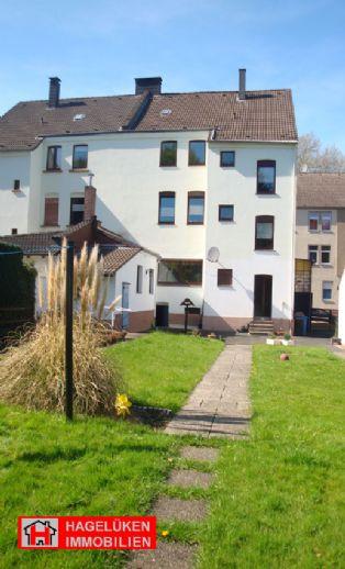 """Grüner Daumen & ein Hobby?â€� 3,5 R.-Whg. (2. OG) eigener & allgem. Garten & 2 Mansarden-Hobbyräume!"