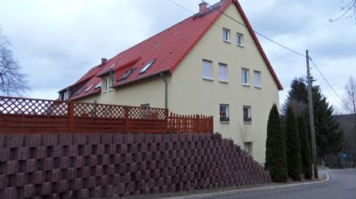 Schmiedeberg - schicke 3-Zimmer-Wohnung in einem 4-Familienhaus
