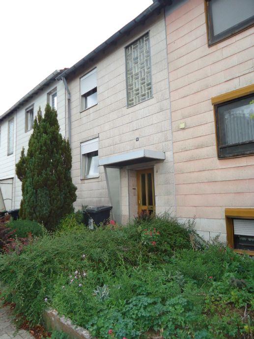 Renovierungsbedürftiges Einfamilienhaus in ruhiger Lage
