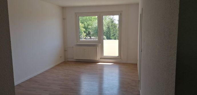 Sanierte 2-Zi-Whg mit Balkon und Einbauküche in Beelitz!