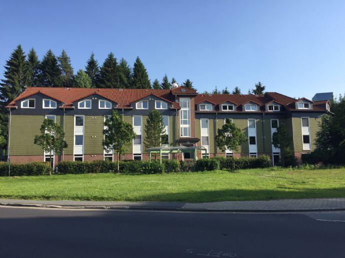 Teilmöbliert! Frisch saniertes Single-Apartment mit Pantryküche - nähe Uni!