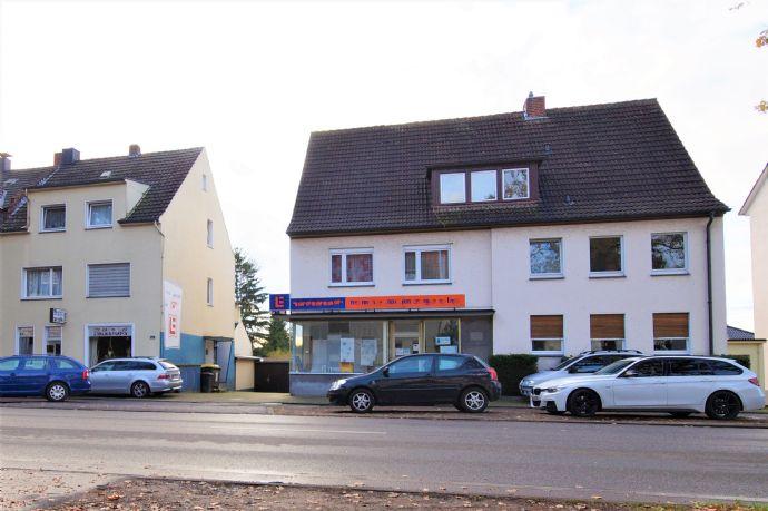 Kapitalanleger aufgepasst! Zwei Häuser mit insgesamt 8 Wohnungen, 2 Ladenlokalen und Garagen in begehrter Lage von Marl-Sinsen!