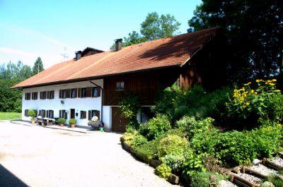 Großes Ferienhaus, mit Angel- und Badesee, für 2-10 Personen