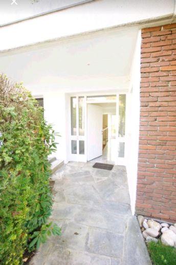 Wunderschöne Wohnung mit gehobener Ausstattung in ruhiger Wohnlage mit großer Terrasse
