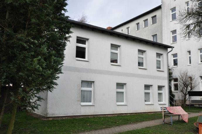 helle, großzügige 2-Zimmer-Wohnung mit EBK. & Pkw Stellplatz in der Tribseer-Vorstadt