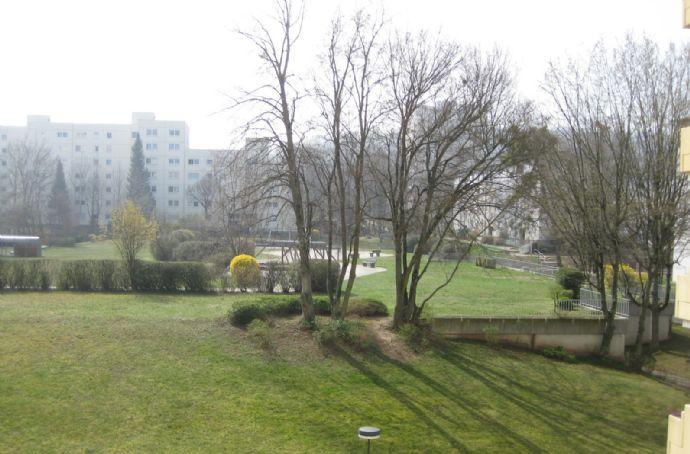 Gut aufgeteilte, großzügige 3-Zi.-ETW in S-Weilimdorf in naturnaher Umgebung