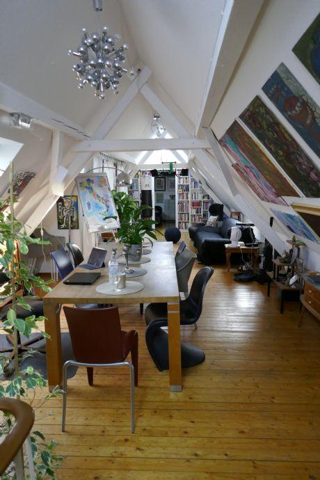 4-Zimmer-Whg. mit EBK und Balkon