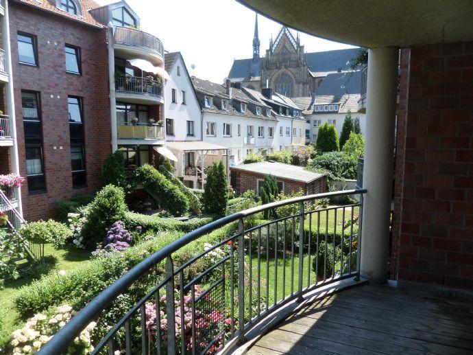 Top Moderne 3 Zimmer-Wohnung mit Balkon und Aufzug