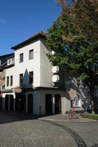 Sehr gepflegtes Geschäftshaus in bevorzugter Lage von Herzogenrath-Kohlscheid