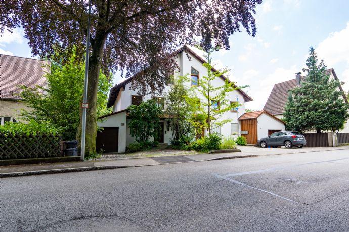 -Eine Wohlfühloase für die ganze Familie- Traumhafte Doppelhaushälfte in Fürstenfeldbruck