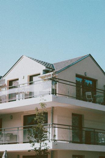 Hochwertiges Zweifamilienhaus mit Doppelgarage