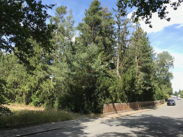 Premium Baugrundstück in Schwaig bei Nürnberg zu verkaufen ~ gesamt ca. 2200 qm mit Garten am Wasserschutzgebiet