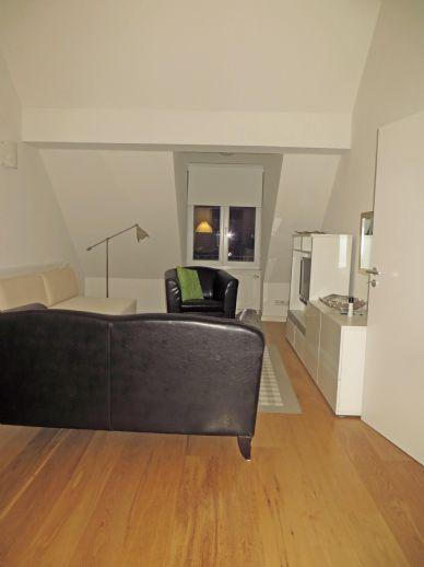Perfekt möblierte 1 Zimmer Dachgeschosswohnung mit Schlafkammer in Barmbek / Ohlsdorf
