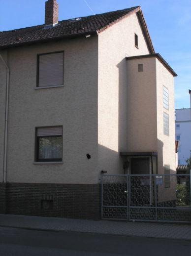2-Familien-Stadthaus in zentraler Lage, Langen