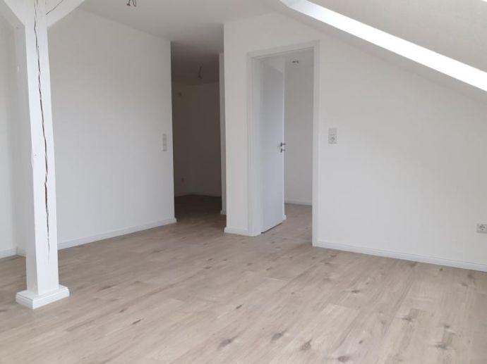 Schöne helle 1.5 Zi. DG-Wohnung in der Innenstadt von OHZ.