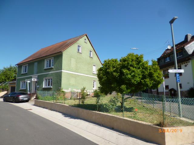 Wannemacher Immobilien **** Schönes Zweifamilienhaus in ruhiger Lage von Ottweiler Fürth ****