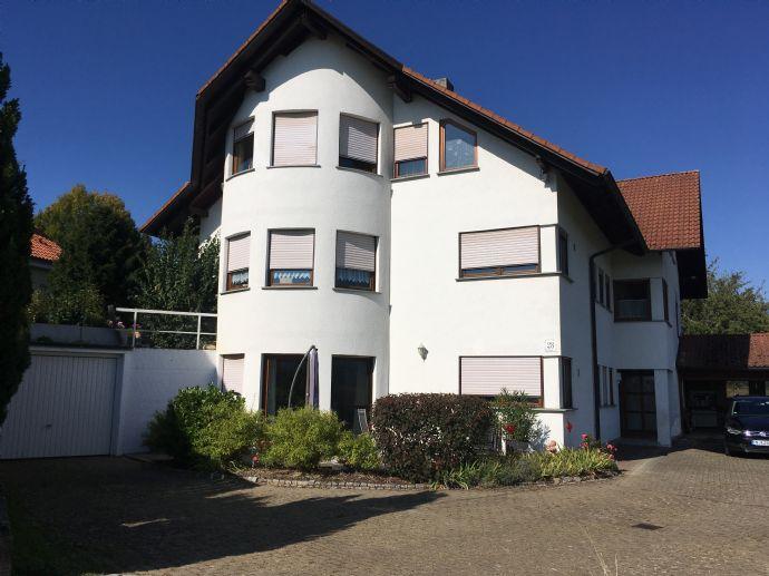 - Schön und harmonisch Wohnen - helle 3,5 - Zi.- Maisonettewohnung mit Terrasse und Gartenanteil