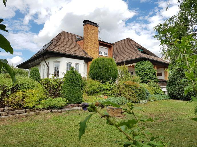 Warum nicht Hirschaid? -:- traumhaftes Einfamilienhaus im Landhausstil auf großzügigen sonnigen Grundstück in Hirschaid - OT Seigendorf zu verkaufen